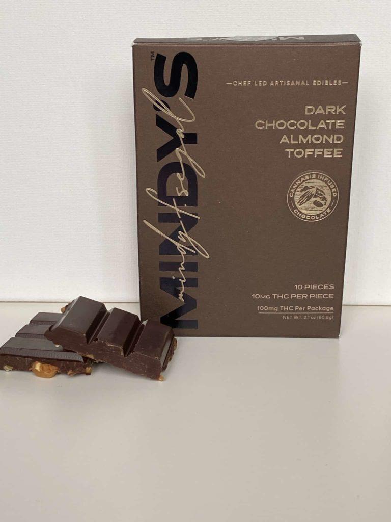 Mindy's Dark Chocolate Almond Toffee Bar 100mg